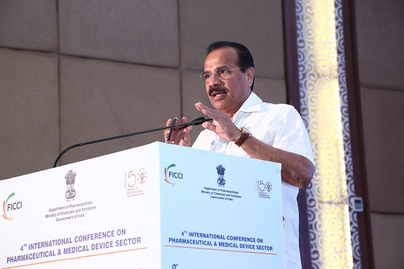 V. Sadananda Gowda, Union Minister for Chemicals & Fertilizers and Statistics & Programme Implementation, Government of India addressing the audience