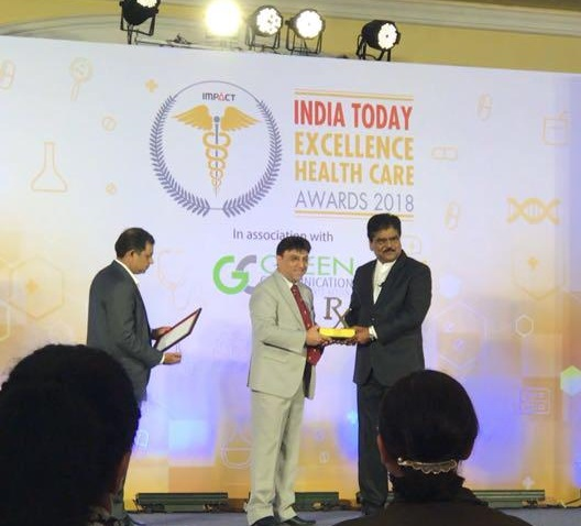 Dr R Rajani receives excellence Healthcare award